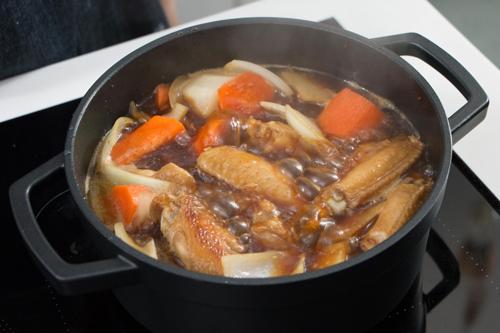 Cánh gà hầm củ cải nóng hổi, mềm ngon - 5