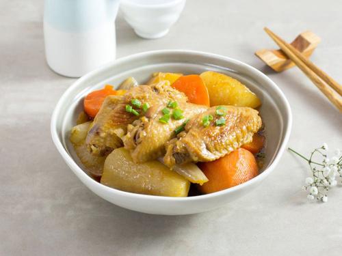 Cánh gà hầm củ cải nóng hổi, mềm ngon - 6