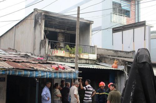 Vụ cháy nhà chiều 29 tháng Chạp: 3 phòng trọ và 8 xe máy bị thiêu rụi - 2