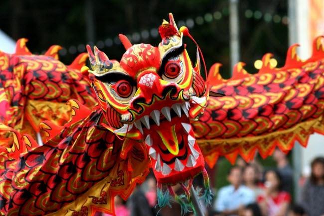 Lễ hội mùa xuân hay Tết Nguyên đán diễn ra tại cộng đồng người Hoa trên khắp thếgiới và tại nhiều quốc gia châu Á như Việt Nam, Singapore, Malaysia,....