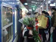 Tin tức trong ngày - Dân hối hả về quê ăn Tết trên những chuyến tàu đêm