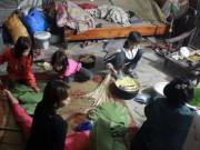 Tin tức trong ngày - Ngày cuối năm tại nhà người phụ nữ một mình nuôi 14 đứa con ở HN