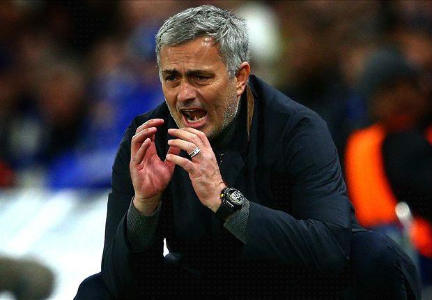 """Nghịch lí: Mourinho xuống tóc, MU """"lên hương""""? - 6"""