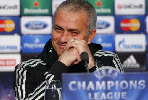 """Nghịch lí: Mourinho xuống tóc, MU """"lên hương""""? - 5"""