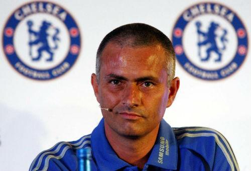 """Nghịch lí: Mourinho xuống tóc, MU """"lên hương""""? - 2"""
