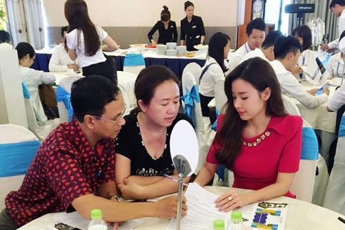 Sao Việt vung tiền sắm biệt thự, siêu xe đón Tết 2017 - 1
