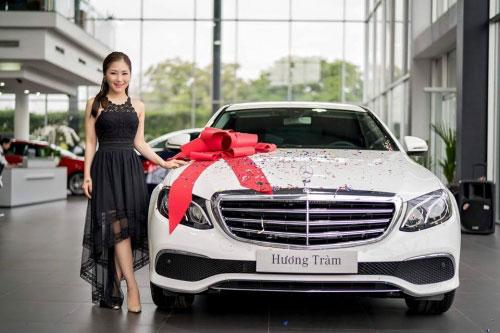 Sao Việt vung tiền sắm biệt thự, siêu xe đón Tết 2017 - 3