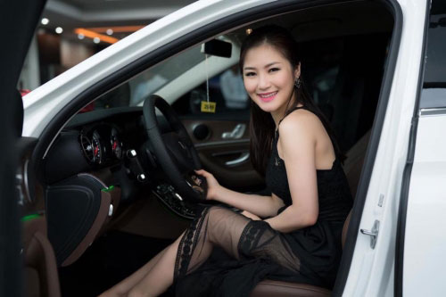 Sao Việt vung tiền sắm biệt thự, siêu xe đón Tết 2017 - 4