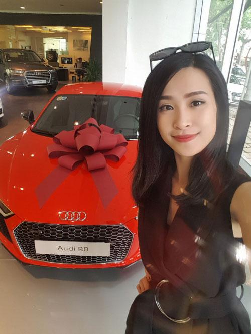 Sao Việt vung tiền sắm biệt thự, siêu xe đón Tết 2017 - 6