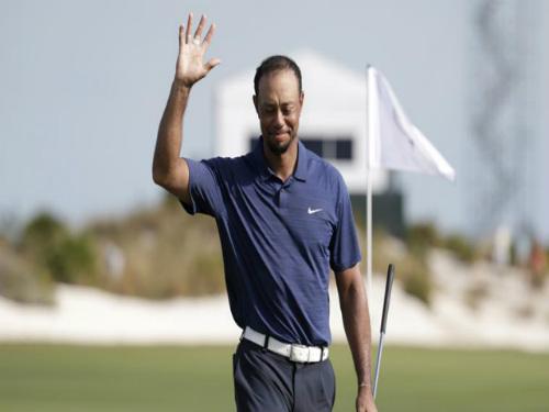 Tin thể thao HOT 27/1: Tiger Woods gây thất vọng ngày tái xuất - 1