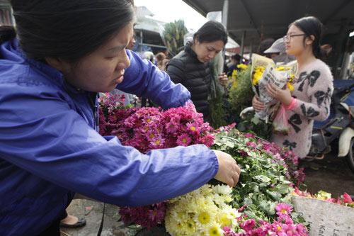 30 Tết, chen chân ở chợ hoa lớn nhất Hà Nội - 5