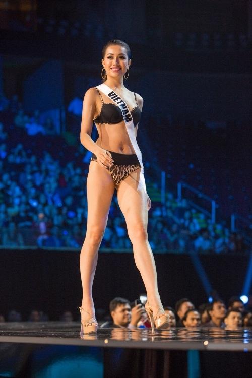 Lệ Hằng siêu ấn tượng, gây tranh cãi tại Miss Universe - 3