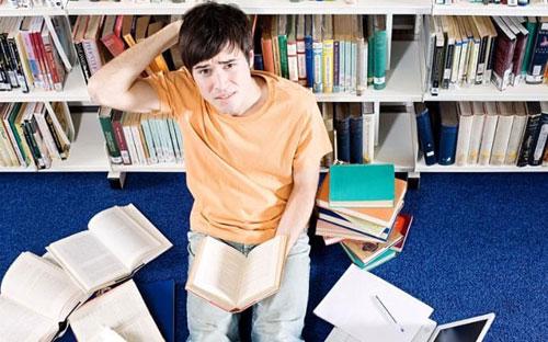 Hàng trăm nghìn sinh viên Anh mua luận án trên mạng - 1