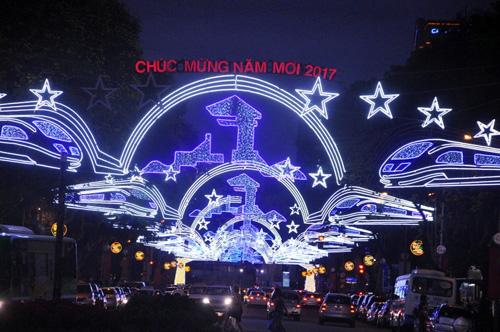 Ngắm phố phường Sài Gòn đẹp lung linh ngày cuối năm - 1