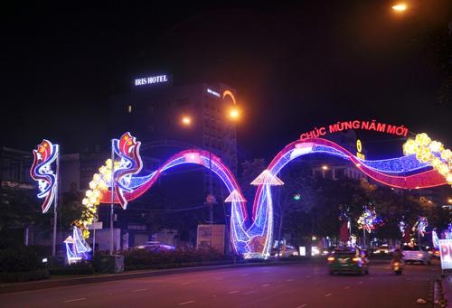 Ngắm phố phường Sài Gòn đẹp lung linh ngày cuối năm - 8