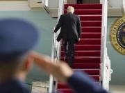 Thế giới - Trump lần đầu dùng Không lực Một, quên vẫy tay chào