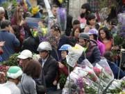 Tin tức trong ngày - 30 Tết, chen chân ở chợ hoa lớn nhất Hà Nội