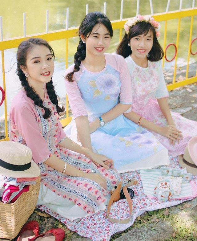 6 kiểu áo dài lạ mắt khiến chị em Việt mê nhất xuân này - 9