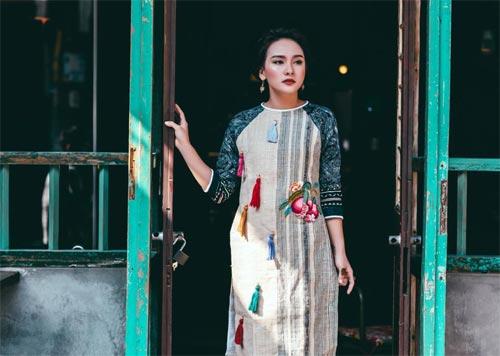 6 kiểu áo dài lạ mắt khiến chị em Việt mê nhất xuân này - 13
