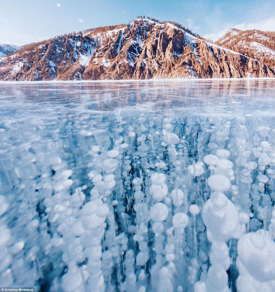 Kì vĩ cảnh bong bóng kẹt dưới hồ băng sâu nhất thế giới - 3