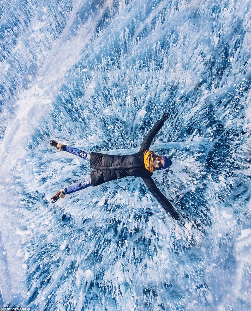 Kì vĩ cảnh bong bóng kẹt dưới hồ băng sâu nhất thế giới - 6