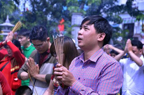 Người Sài Gòn nườm nượp đi chùa ngày mùng 1 Tết - 7