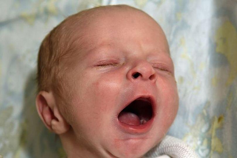 Đi khám thận bất ngờ phát hiện có thai 9 tháng - 2