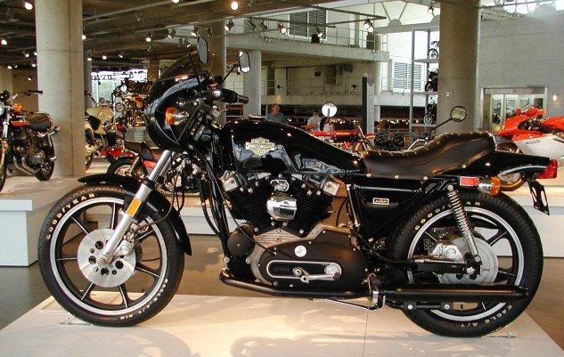 Top 10 mẫu mô tô yêu thích của Miguel Galluzzi - 4