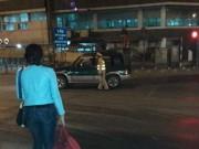 Tin tức trong ngày - Lỡ xe đêm 30 Tết, người phụ nữ được CSGT đưa về quê