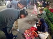 Tin tức trong ngày - Miệt mài mưu sinh sau đêm giao thừa ở Hà Nội