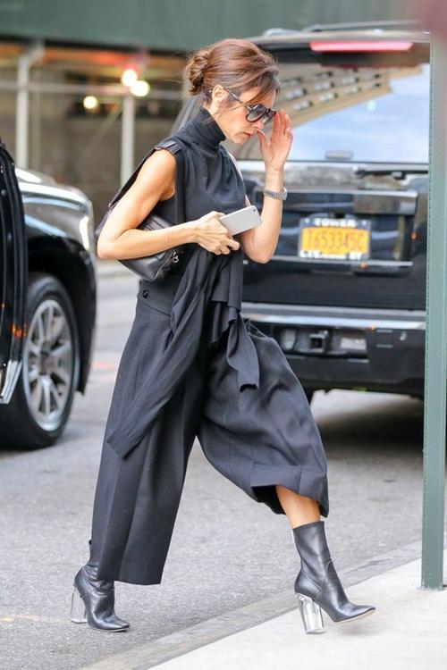"""Đôi giày nào đang khiến Victoria Beckham bị """"nghiện""""? - 2"""