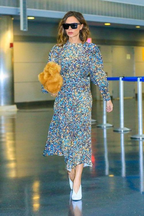 """Đôi giày nào đang khiến Victoria Beckham bị """"nghiện""""? - 9"""