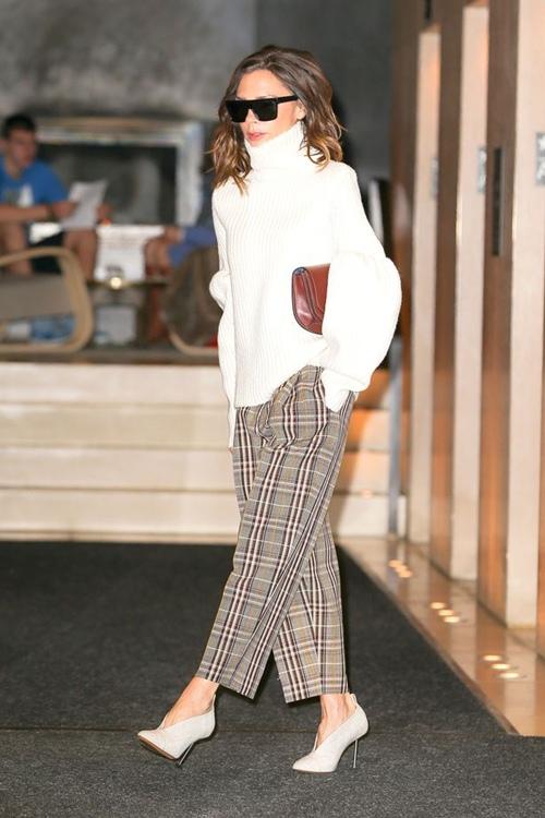 """Đôi giày nào đang khiến Victoria Beckham bị """"nghiện""""? - 5"""