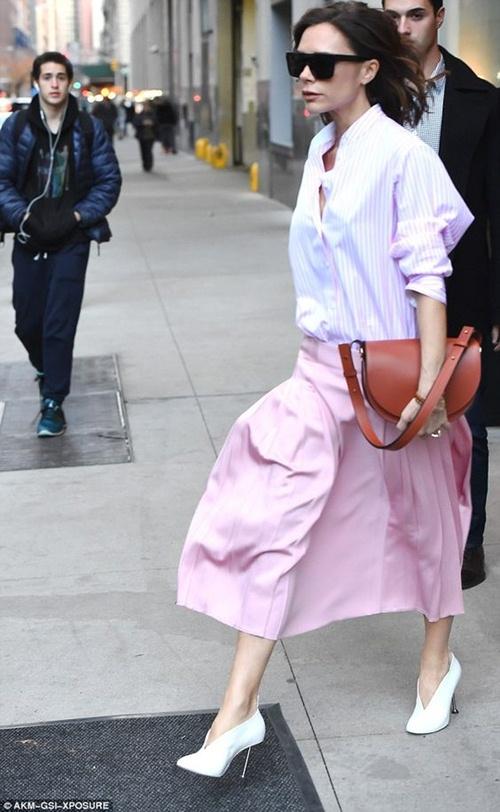 """Đôi giày nào đang khiến Victoria Beckham bị """"nghiện""""? - 8"""