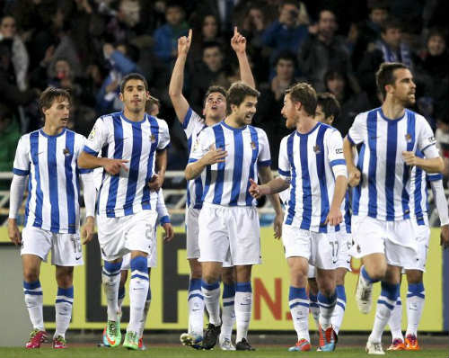 "Real Madrid - Sociedad: Vững tay trước ""sóng dữ"" - 2"