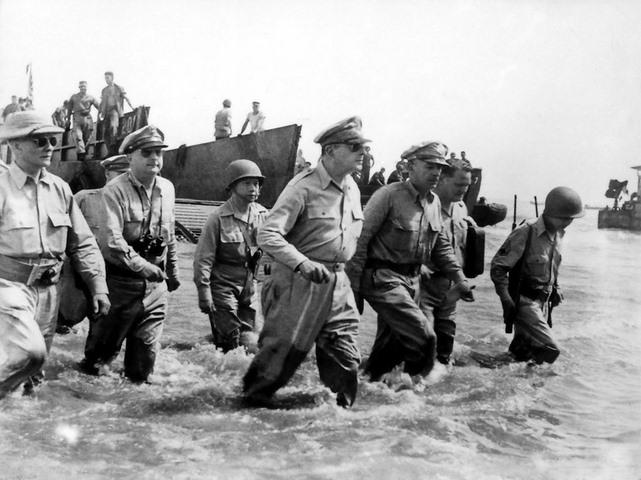 Vị tướng đã xuất quân là thắng trong hai cuộc thế chiến - 4
