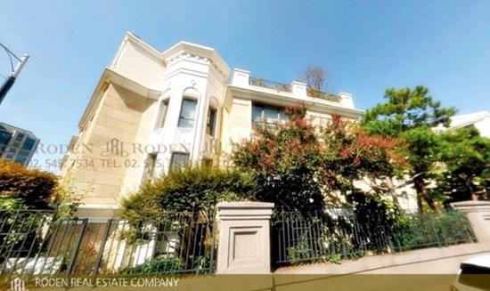 Bạn gái Lee Min Ho sống trong biệt thự 60 tỷ - 1