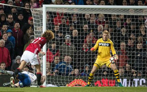 MU: Schweinsteiger & Fellaini ghi bàn, Mourinho cảm động - 1