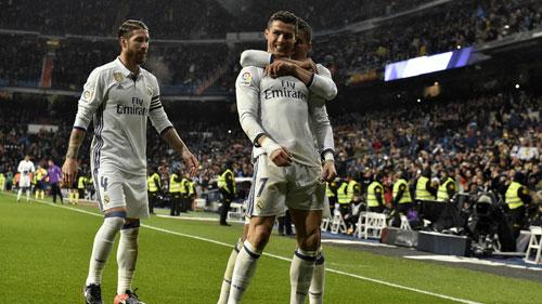 Real bị fan la ó, Zidane vẫn cám ơn - 1