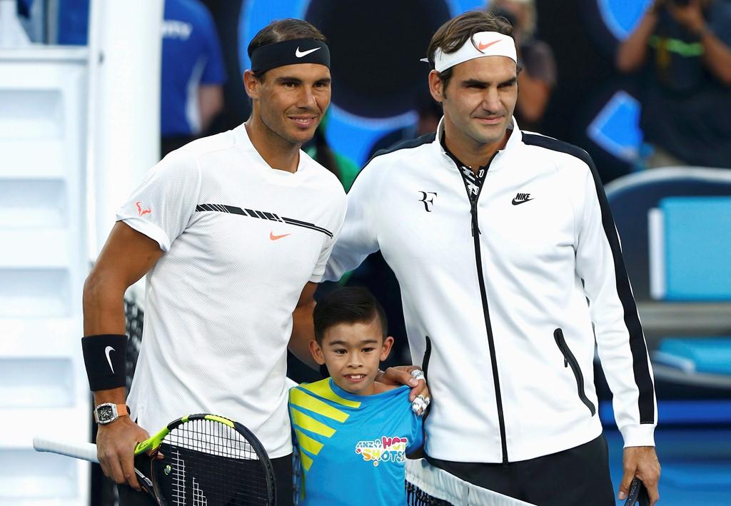 """Cuộc """"tỉ thí"""" nhan sắc 2 bóng hồng của tay vợt Federer và Nadal - 1"""