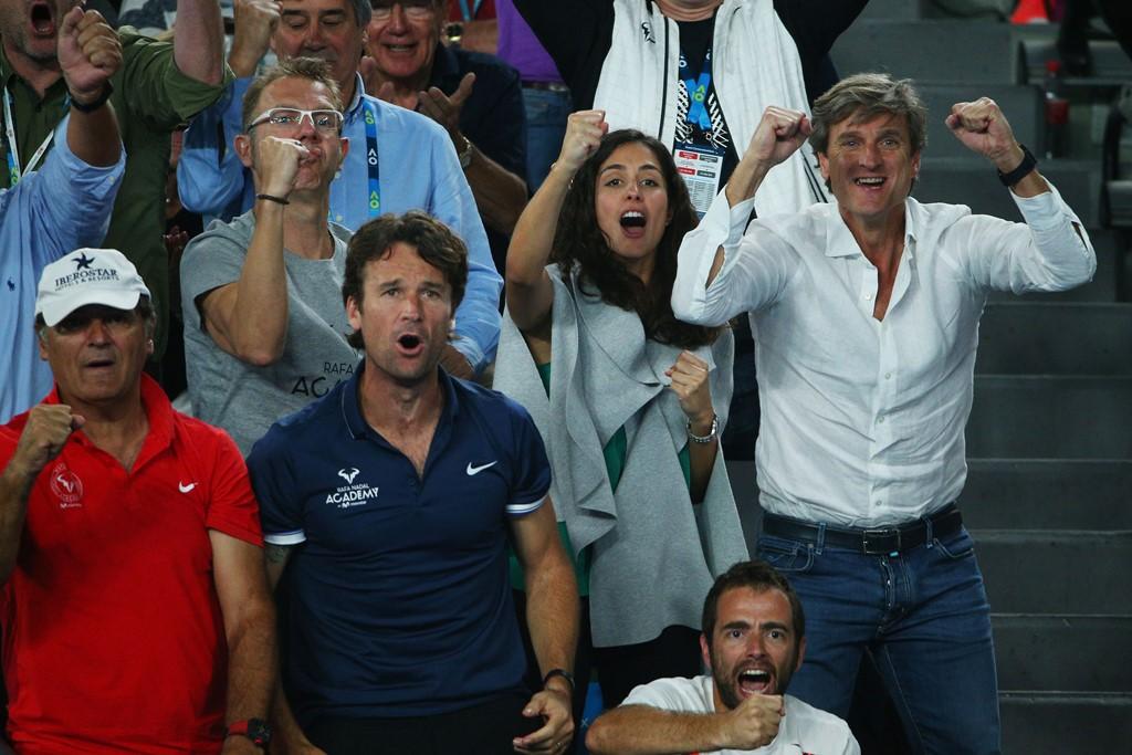 """Cuộc """"tỉ thí"""" nhan sắc 2 bóng hồng của tay vợt Federer và Nadal - 3"""
