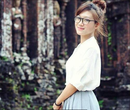 """Tiết lộ về """"cô đồ"""" ở Bắc Giang gây bão mạng vì quá xinh đẹp - 10"""