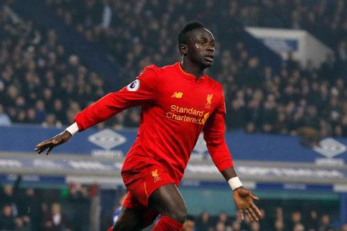 Tin HOT bóng đá tối 30/1: Liverpool thuê máy bay cho Mane - 1