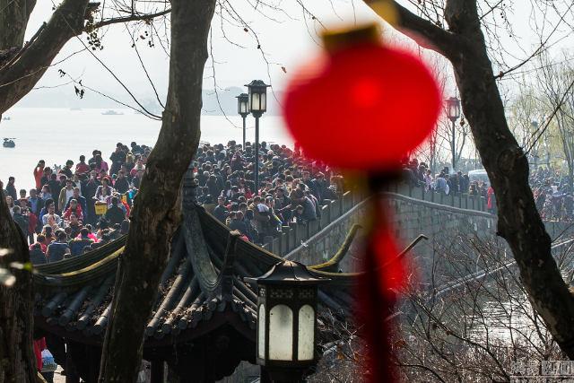 Ảnh: Biển người Trung Quốc du lịch dịp Tết - 7