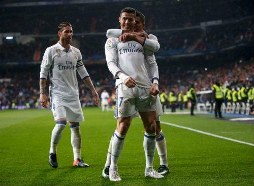Ronaldo cáu vì bị la ó, chửi tục đáp lại - 3