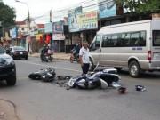 Tin tức trong ngày - Bé 4 tuổi nguy kịch sau va chạm xe máy chiều mùng 3 Tết