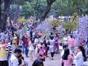 Tin tức trong ngày - Hàng ngàn người xúng xính áo mới du xuân ở Sài Gòn