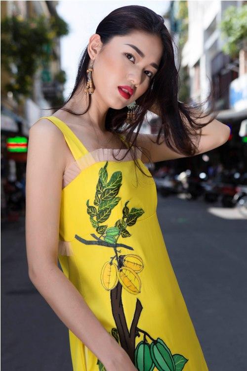 Á hậu Thanh Tú buông lơi váy áo du xuân Sài thành - 2