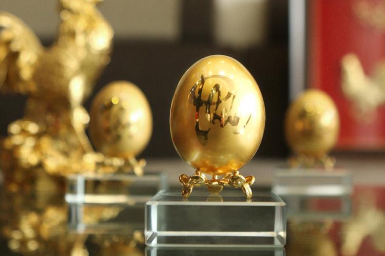 Chiêm ngưỡng bộ trứng vàng 30 lượng của đại gia Quảng Ninh - 2