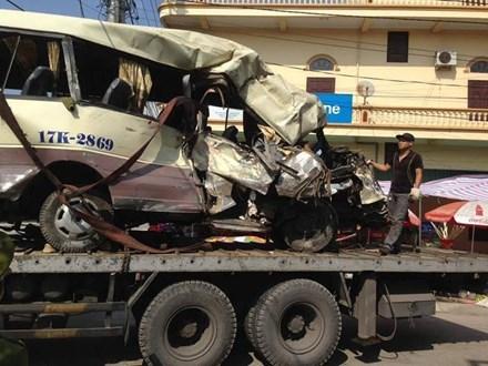 Phó Thủ tướng yêu cầu làm rõ vụ tai nạn xe khách ở Quảng Ninh - 1